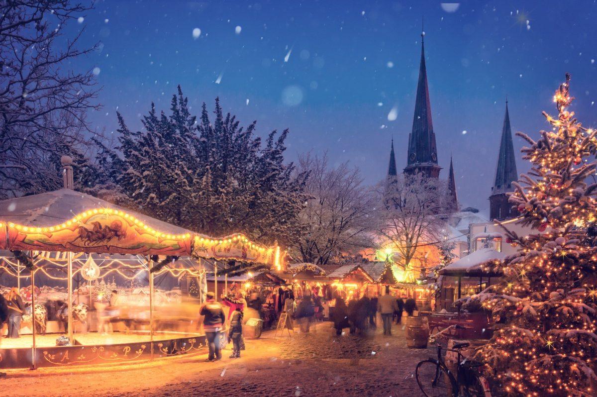 """ดื่มด่ำกับบรรยากาศแห่งความสุขที่ """"ตลาดคริสต์มาส"""" ในยุโรป"""
