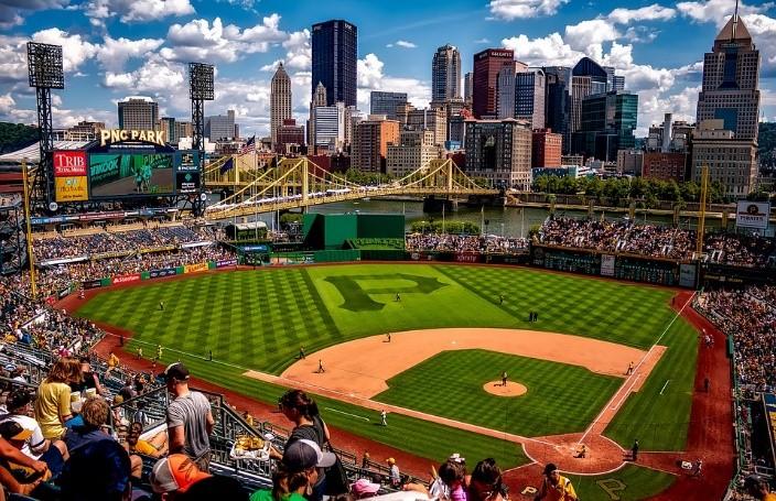 พาชมสนามแข่งเบสบอลในเมเจอร์ลีกเบสบอล (MLB)