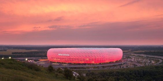 สนามฟุตบอล สวยงามอลังการ ควรค่าแก่การมาเยือน