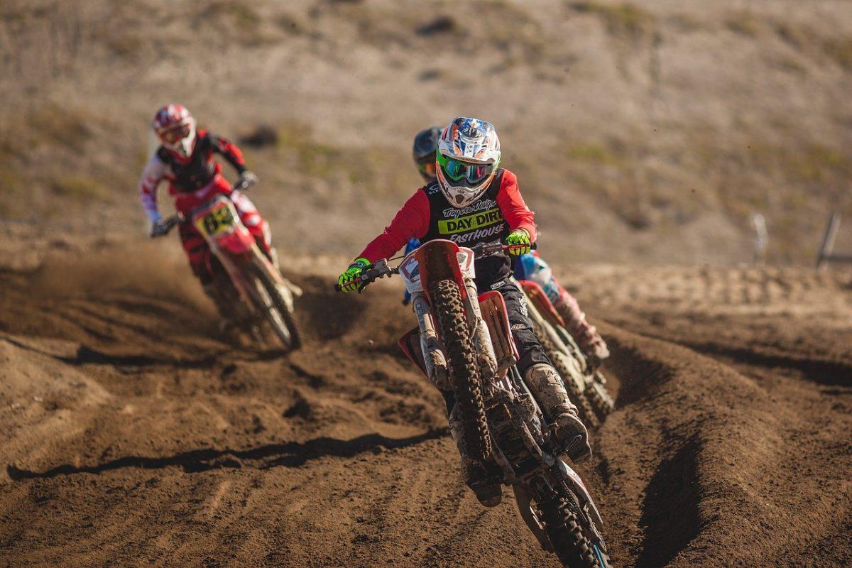Motocross การแข่งมอเตอร์ไซค์วิบากที่มีทั้งความมันส์และสนุก